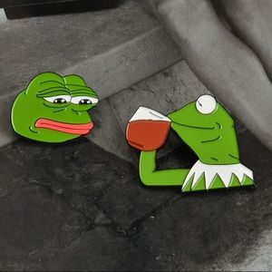 NEW Kermit The Frog Pin